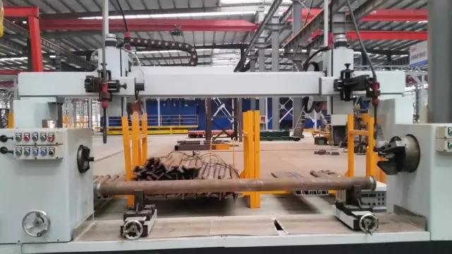 【工艺】片式标准节腹杆焊接机器人